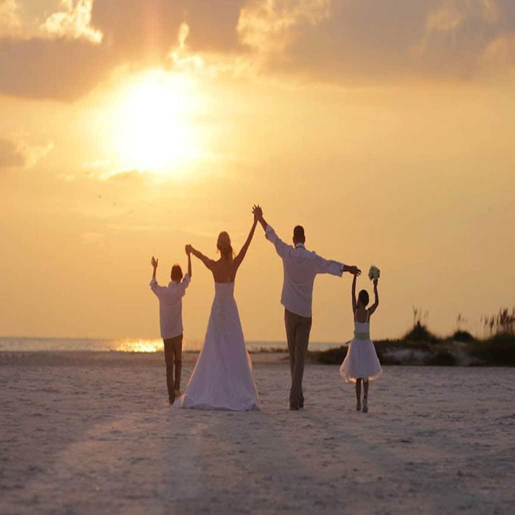 Siesta Key Beach Wedding Ceremony: German Couple On Siesta Key Beach
