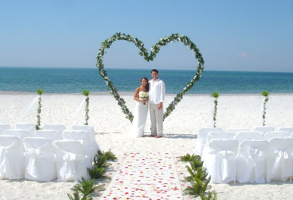11 arch of love florida beach wedding siesta for Arches decoration