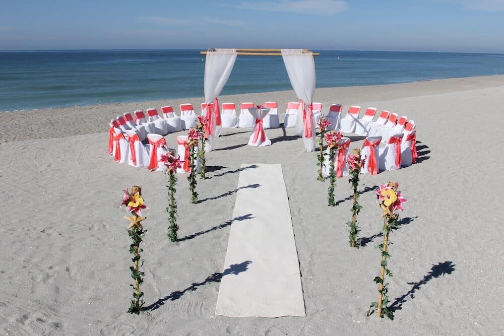 Circle Seating Arrangement For Beach Wedding: 9. Circle Of Love - Florida Beach Wedding