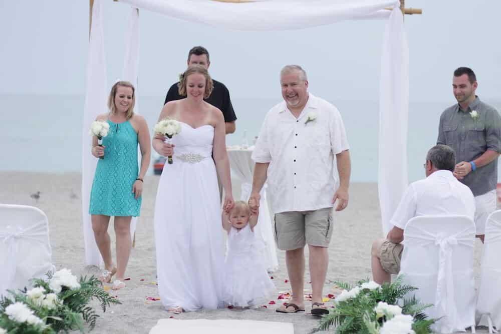 Beach Wedding Attire: What Do I Wear? | Florida Sun Weddings