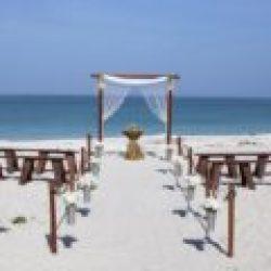 rustic romance beach wedding | floridasunweddings.com